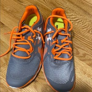 Under Armour women's 9.5 sneakers.